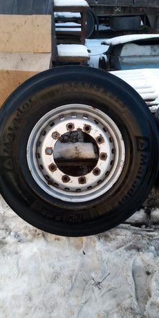 Продам комплект дисков с резиной руль 385/65 R22.5 Et135