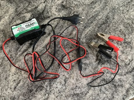 Ładowarka do akumulatorów żelowych
