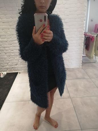 Dlugi futrzany sweter kardigan