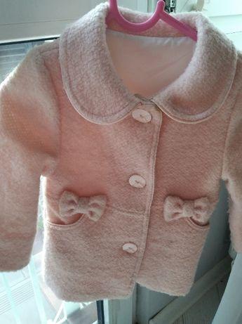 Elegancki różowy płaszczyk dla dziewczynki rozmiar 80