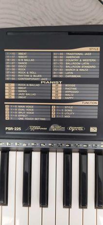 Keyboard yamaha psr 225