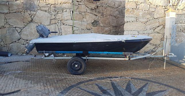 Barco em fibra com 3.50 m com motor yamaha 9.9