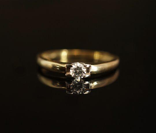 Złoto 585 - złoty pierścionek z cyrkonią. Rozmiar 16