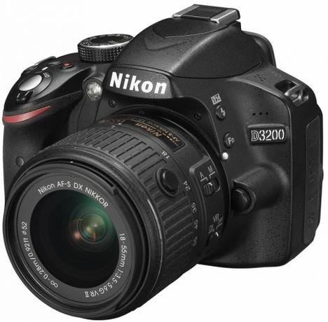 Nikon D3200 kit 18-55mm(24 мегапикс),флеш 16GB,сумка.
