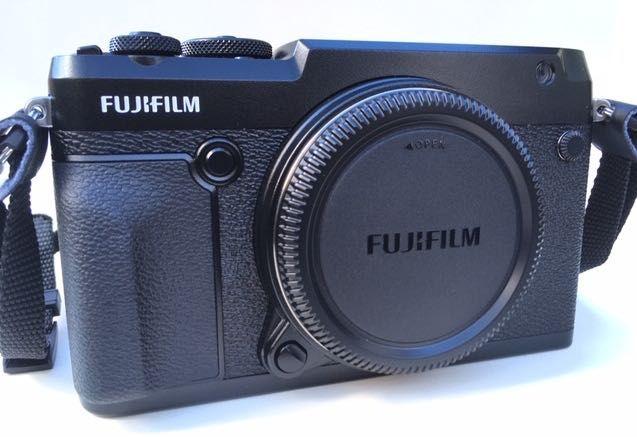 Fujifilm GFX 50R w stanie IDEALNYM. Na gwarancji. Tylko 1772 zdjęcia.
