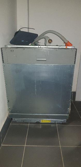 Zmywarka ELEKTROLUX ESL67070R na części