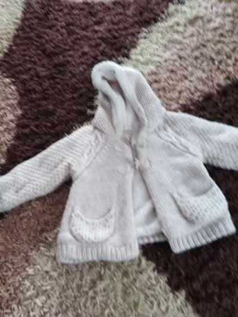 Sweterek ocieplany firmy Zara ispodenki