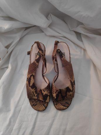 Wężowe skórzane sandały GABOR