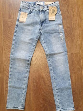 Новые джинсы  на 9-10 лет 140 рост