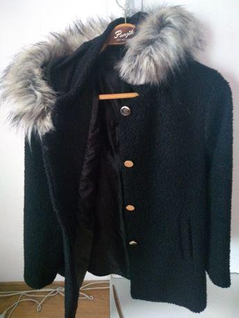 Płaszczyk czarny jesienno zimowy