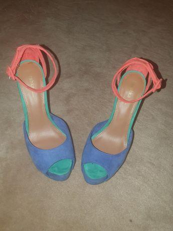 Sandálias de salto Bershka