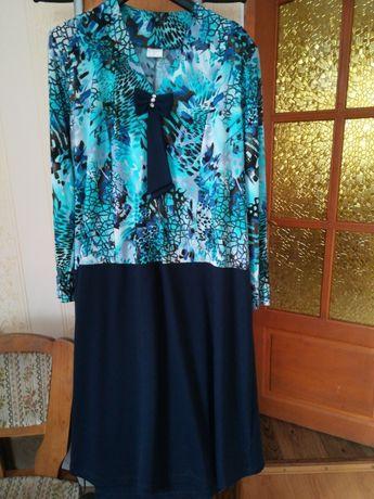 Продаю красивое женское платье