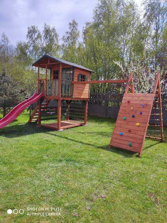 Domek dla dzieci plac zabaw ślizg ,ścianka wspinaczkowa.