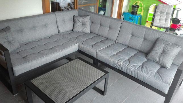Meble tarasowe, sofa, stolik kawowy, meble industrialne.