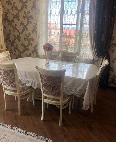 Обеденный стол и стулья БУ