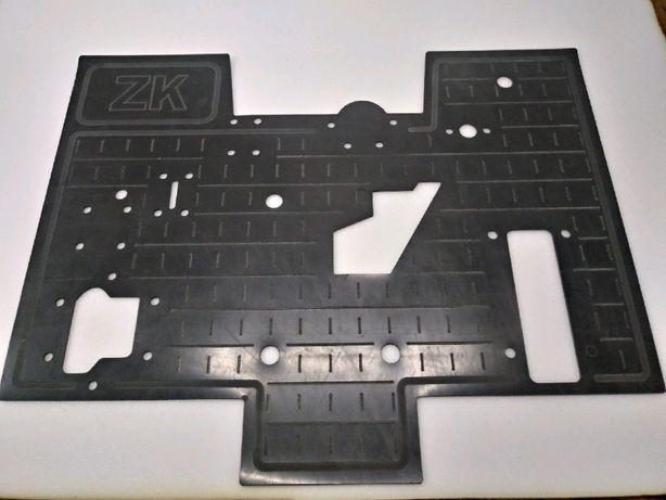 Dywanik guma pod siedzenie URSUS 4514 MF 5314 guma EPDM 4mm