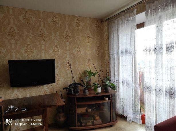 Продам 3-комнатную квартиру в Приморском районе