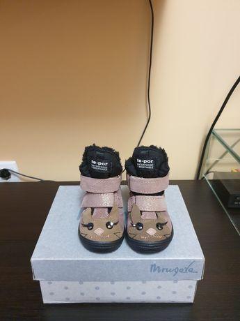 Детские ботинки на девочку