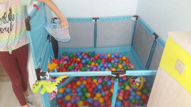 Kojec suchy basen z piłkami dla dziecka