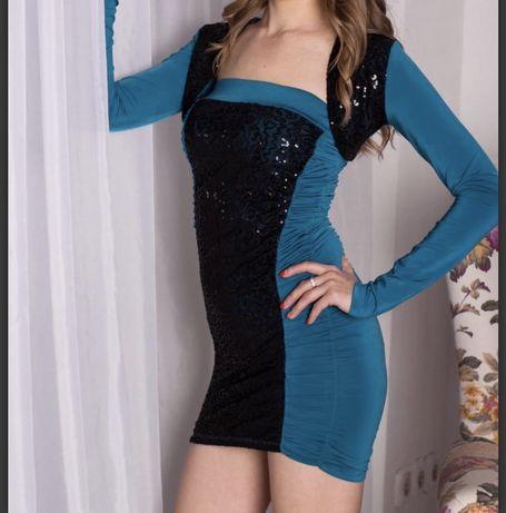 Вечернее бирюзовое платье