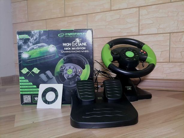 Kierownica z wibracjami i pedały. Xbox360, PS3, PC