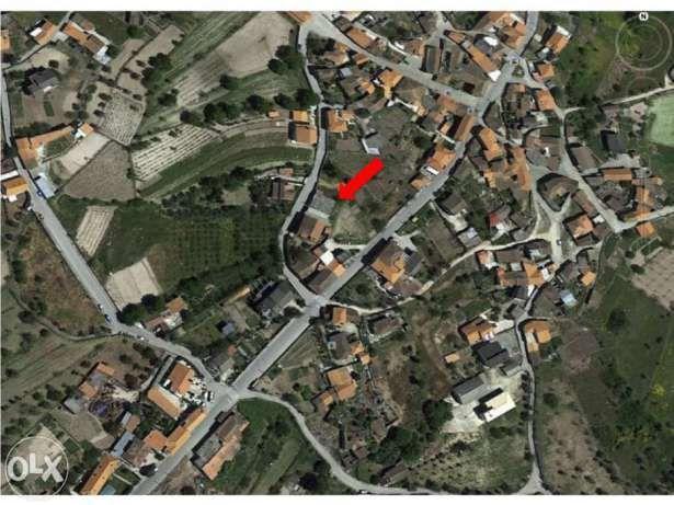 Armazém com possibilidade de construção de moradia em Sendim - Tabuaço