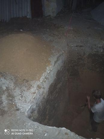 Копаем выгребные ямы