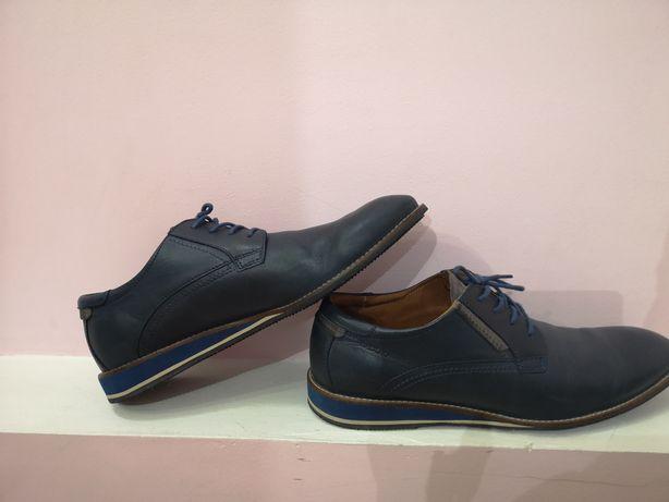 Кросовки туфли р. 43