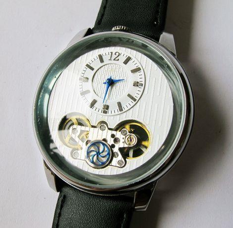 Unikalny zegarek. Duża linia.