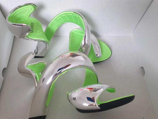 Buty srebrne lustrzane sandały oryginalne nowe 38 na karnawał