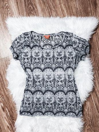 Bluzka koszulka we wzory wzorki prosta basic t-shirt klasyczna modna M