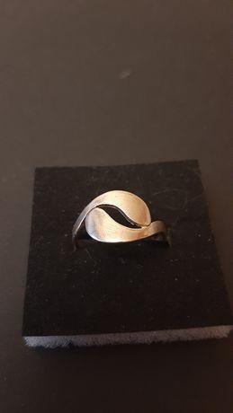 Pierścionek srebrny  Warmet Agat Kłodzko