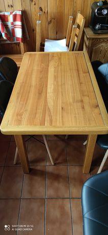 Stół  drewniany .