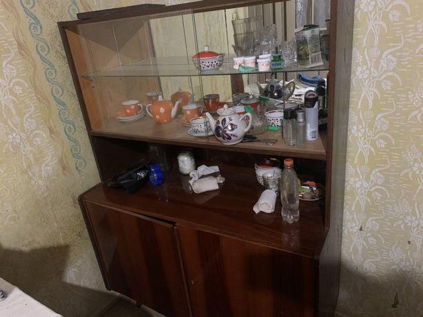 Шафа кухонна або у вітальню