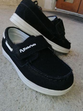 Туфельки, кроси