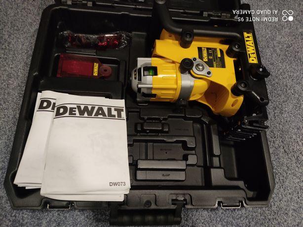 Dewalt DW073 poziomica rotacyjna laserowa że statywem