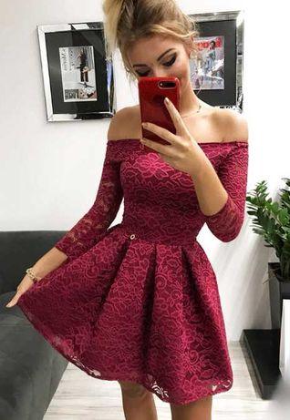 Sukienka koronkowa w kolorze bordowym