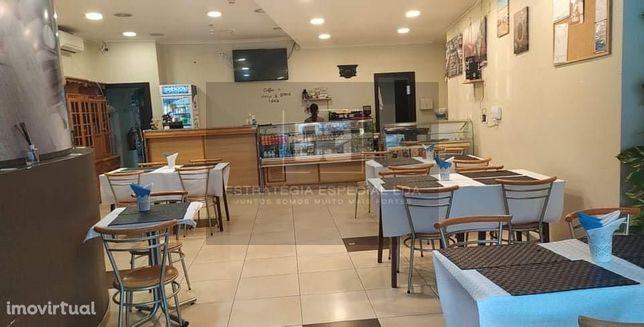 Almada / Cacilhas - Trespasse Café e Restaurante a funcionar