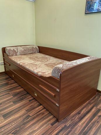 Односпальне дитяче ліжко