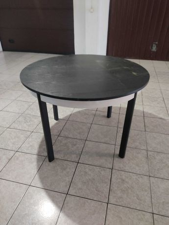 Mesa de refeição / sala  redonda