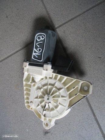 Motor elevador vidro A1698204642 MERCEDES / W245 / 2007 / TD /