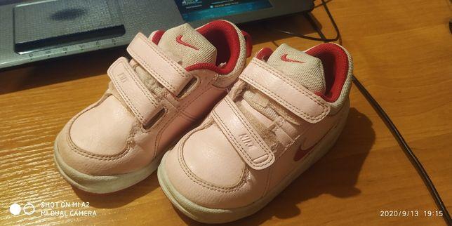 buty Nike dla dziecka rozm.22.5
