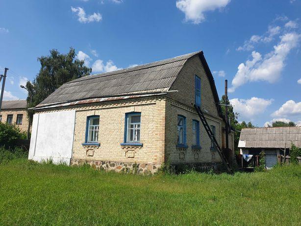 Капитальный дом на 14 сотках рядом с озером и транспортом на Киев