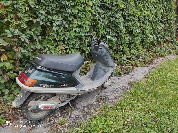 Honda tact stunt