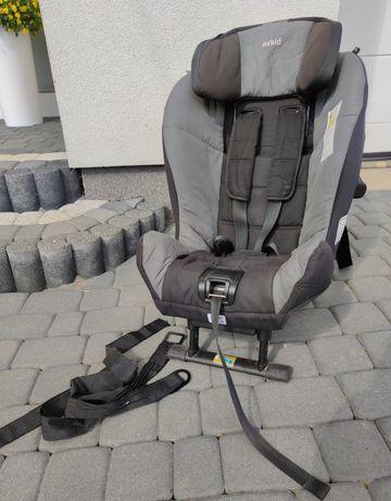 Fotelik samochodowy Axkid Minikid