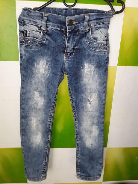Продам джинсы для девочки фирма(Бемби)
