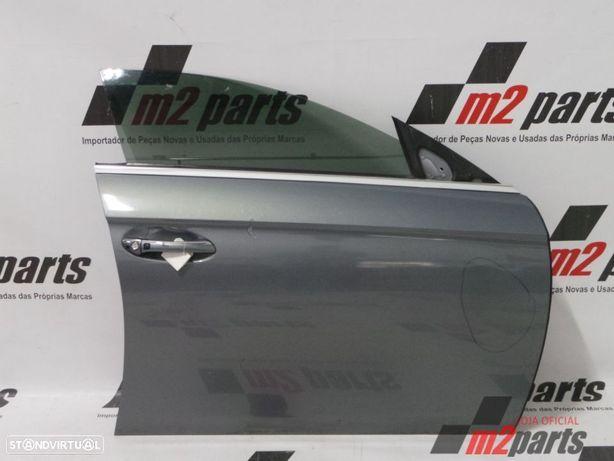 Porta W219 Cor Unica Direito/Frente MERCEDES-BENZ CLS (C219) Semi-Novo