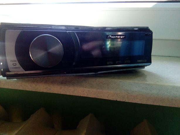 radio pionier DEH-600BT aux, cd ,bluetooth