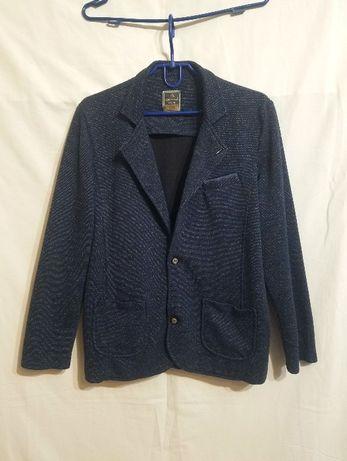 Школьный трикотажный пиджак на рост 164.