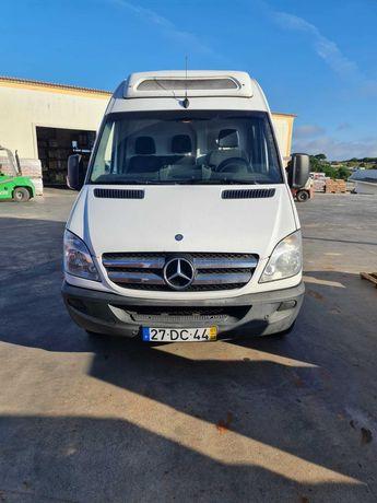 Mercedes Benz 518 CDI com frio